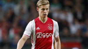 Who is this Dutch midfielder that Barcelona are trying to sign? Everything you need to know