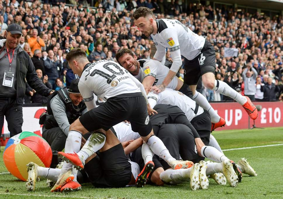 Derby County players celebrate. (Getty Images)
