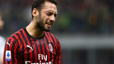Hakan Calhanoglu of AC Milan reacts during the Serie A match between AC Milan and US Lecce at Stadio Giuseppe Meazza on October 20, 2019 in Milan, Italy. (Getty Images)