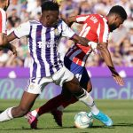 Valladolid's Ghanaian defender Mohammed Salisu (L) vies with Atletico Madrid's French midfielder Thomas Lemar during the Spanish league football match between Real Valladolid FC and Club Atletico de Madrid at the Jose Zorilla stadium in Valladolid on October 6, 2019. (Getty Images)