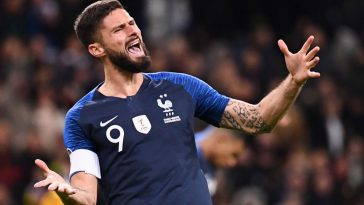 Olivier Giroud celebrates after scoring for France. (Getty Images)