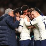 Tottenham boss Jose Mourinho (L) celebrates with his players (Getty Images)