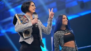 Bayley and Sasha Banks opened this week's SmackDown