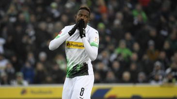 Borussia Monchengladbach midfielder Denis Zakaria in action. (Getty Images)