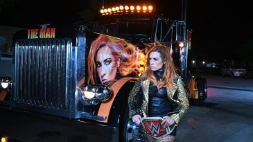 Becky Lynch kept hold of her title at WrestleMania 36
