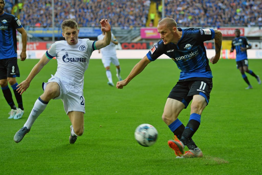 Jonjoe Kenny (L) in action against Paderborn (Getty Images)